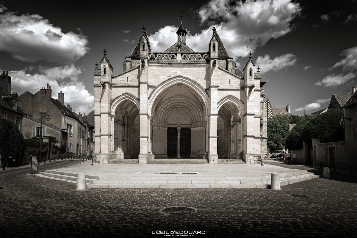 Basílica de Notre-Dame Igreja Colegiada de Beaune Arquitetura da Igreja na Borgonha França