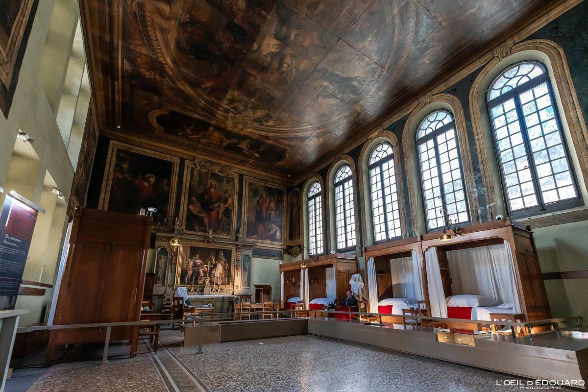Salle Saint-Hughes Hôtel-Dieu Hospize de Beaune Borgonha Arquitetura da França