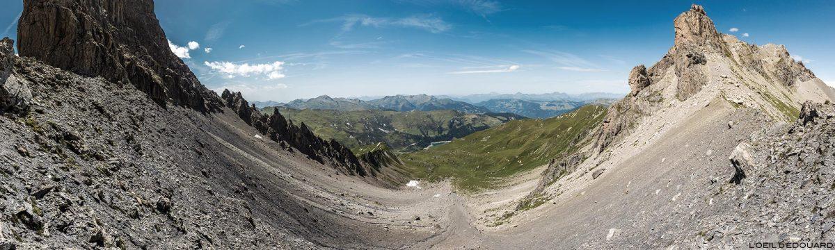 La Brèche de Parozan entre Pointe de Presset e Aiguille du Grand Fond, no Col du Grand Fond, Le Beaufortain Savoie Paisagem Alpes montanhosos