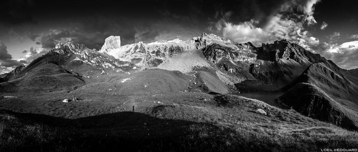 Bivouac em Lac d'Amour e Pierra Menta, Le Beaufortain Savoie Paisagem dos Alpes Montanhosos © L'Oeil Édouard - Todos os direitos reservados