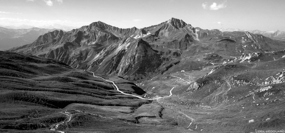 O Cormet d'Arêches e o Crêt du Rey do Col du Coin, Paisagem dos Alpes Savoy do Monte Beaufortain