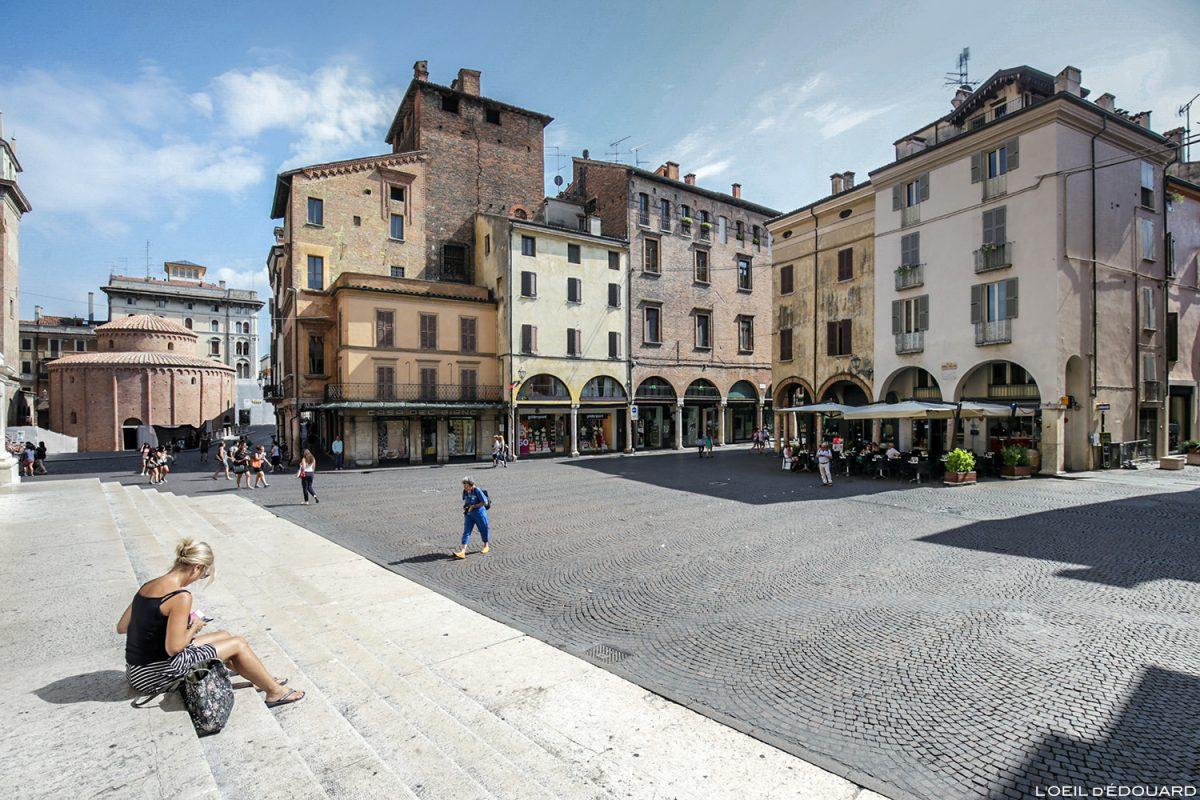 Piazza Andrea Mantegna, Mântua Itália / Mântua Itália Itália
