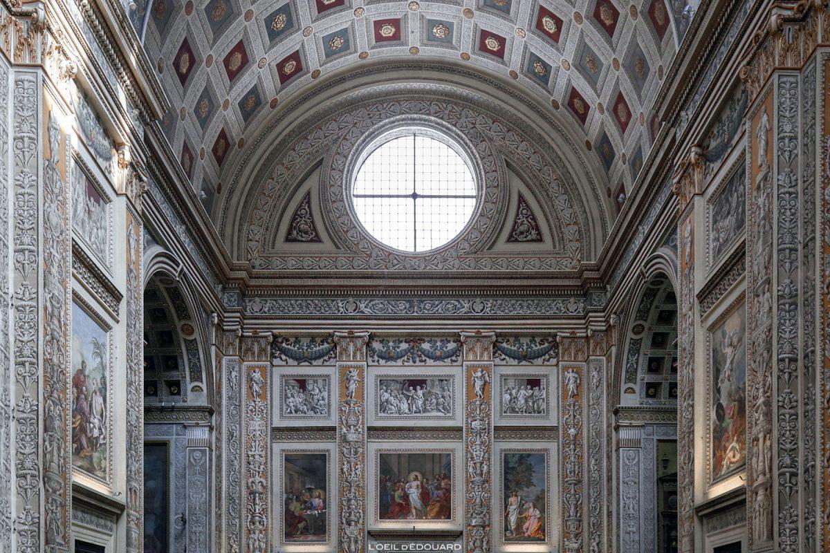 Pintura Trompe l'oeil na nave da Basílica de Sant'Andrea, Mântua Itália - Igreja Basílica de Sant'Andrea, Igreja Mântua Itália Itália / arquitetura barroca Léon Battista Alberti