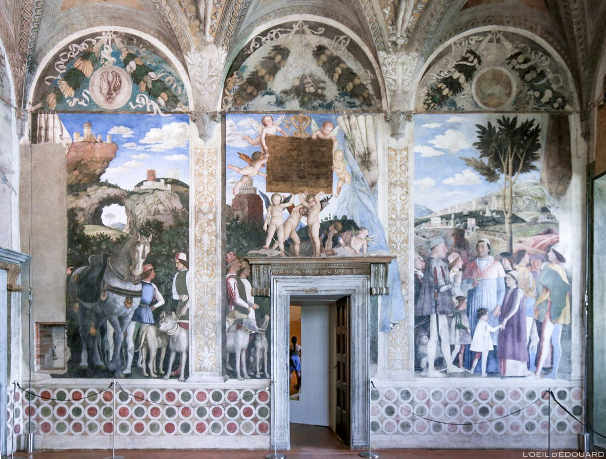 Afresco de Andrea Mantegna, La Casa degli Sposi, Palazzo Ducale, Mântua Itália - Afresco da reunião, La Camera degli Sposi (1465-1474) pintado do Palazzo Ducale em Mântua, Itália Itália