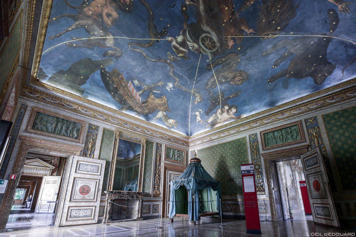 Sala dello Zodiaco, interior do Palazzo Ducale, Mântua Itália - Sala dello Zodiaco, Palazzo Ducale em Mântua, Itália Itália Teto do salão do Palazzo