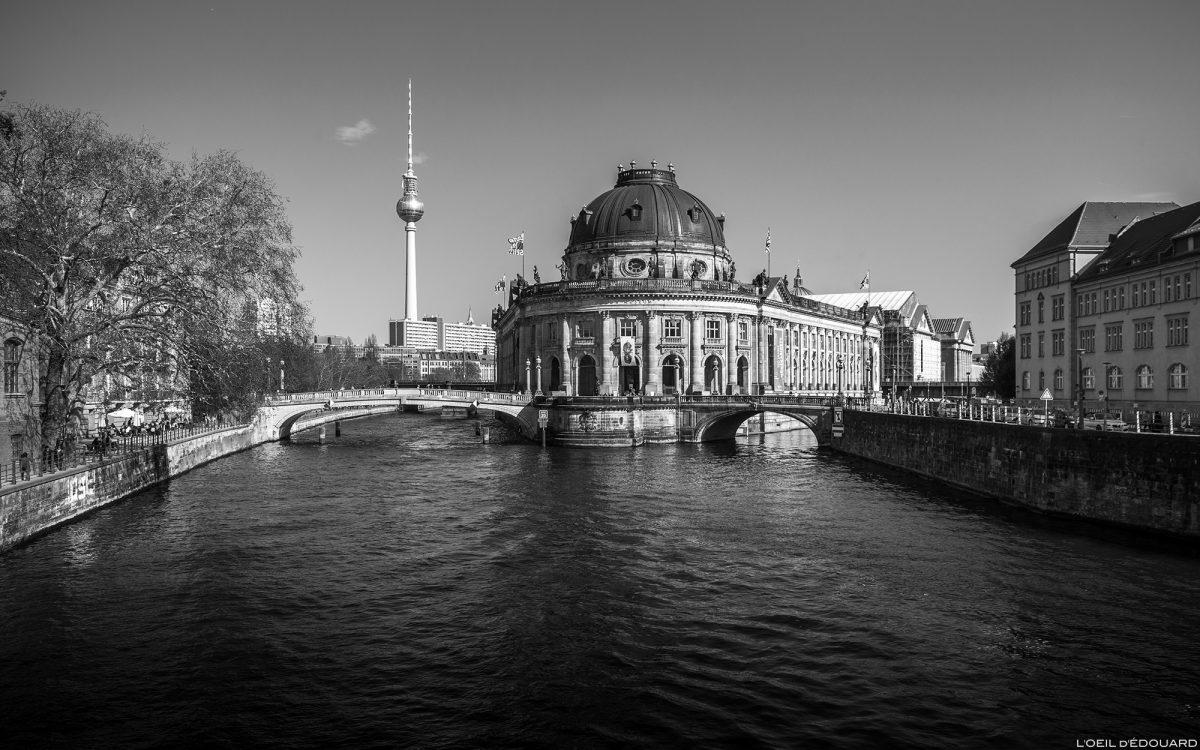 Museu Bode, Ilha dos Museus em Berlim na Alemanha na Spree / Ilha dos Museus Alemanha Arquitetura neobarroca alemã