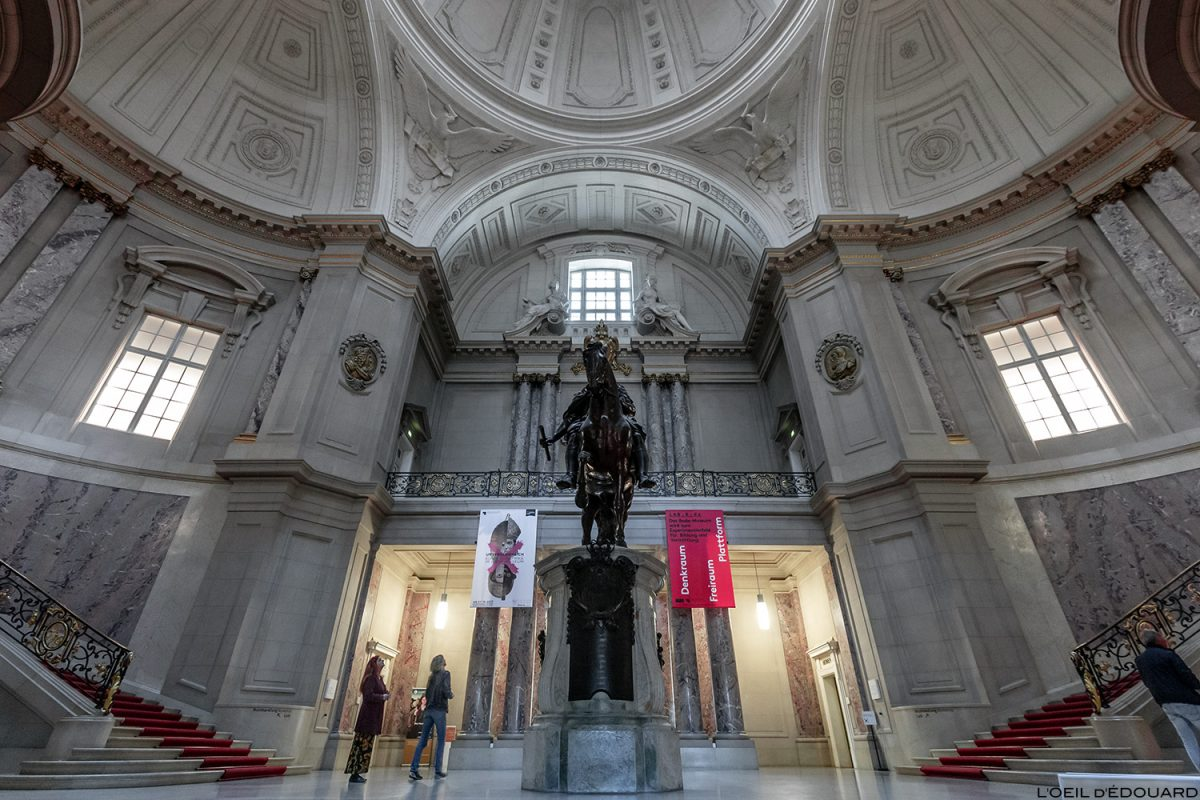 Museu Hall Palais Bode Museum, Museum Island Berlin Germany / Museum Island Germany Alemanha arquitetura neobarroca