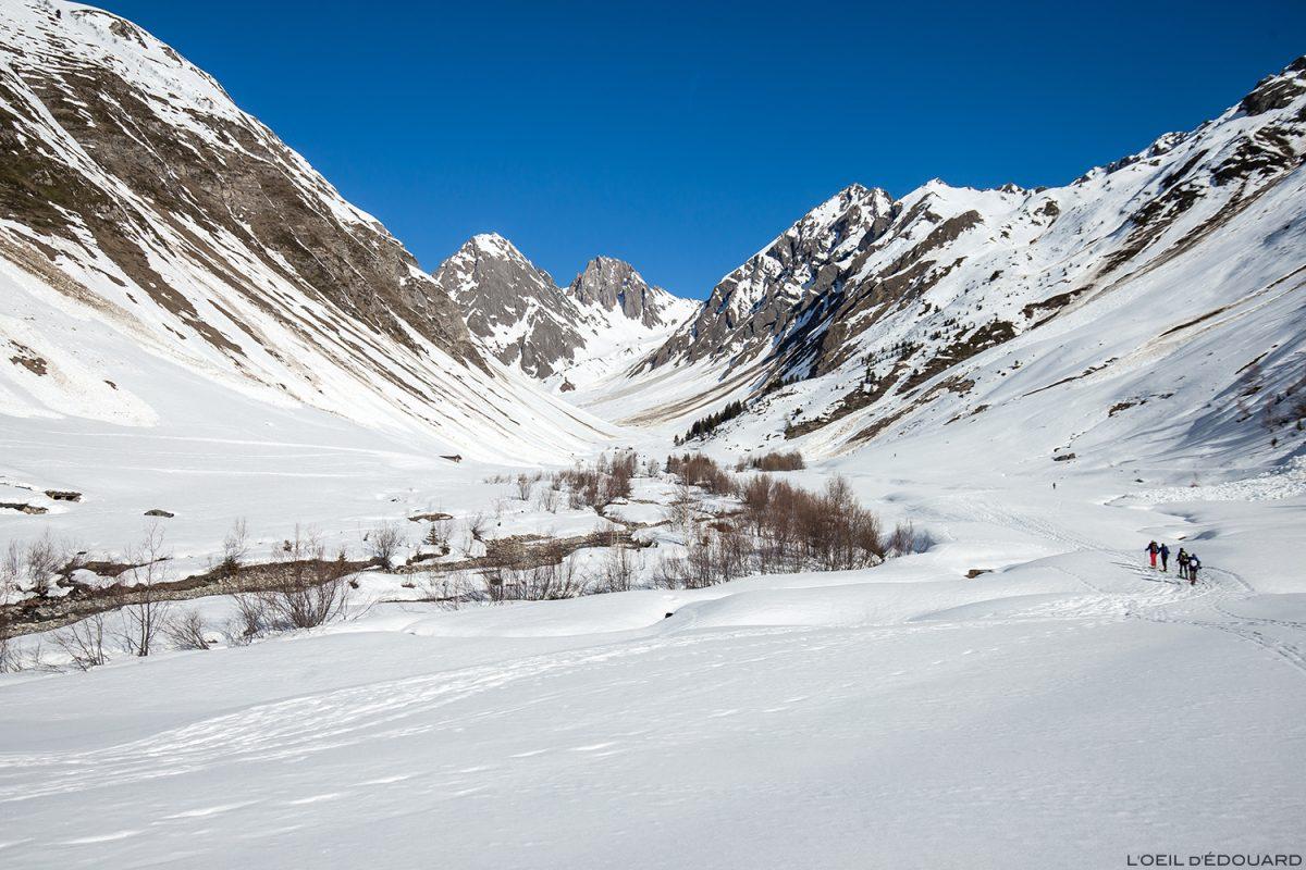 Le Vallon du Forand no inverno - Massif du Beaufortain, Savoy / esqui na paisagem montanhosa fora da montanha esqui no inverno