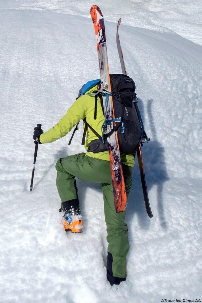 Suporte de esqui lateral Mochila de montanhismo de teste Ski touring Osprey Mutant 38 Note