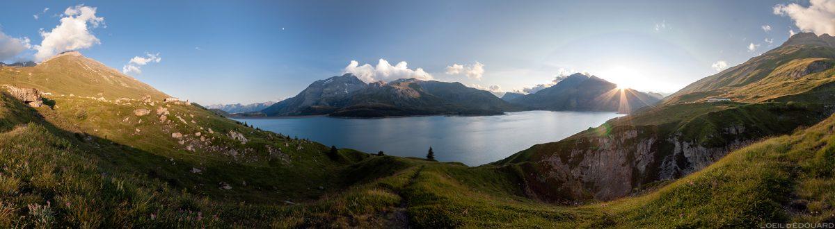 Pôr do sol no Lac du Mont Cenis - Alpes de Haute Maurienne Savoie