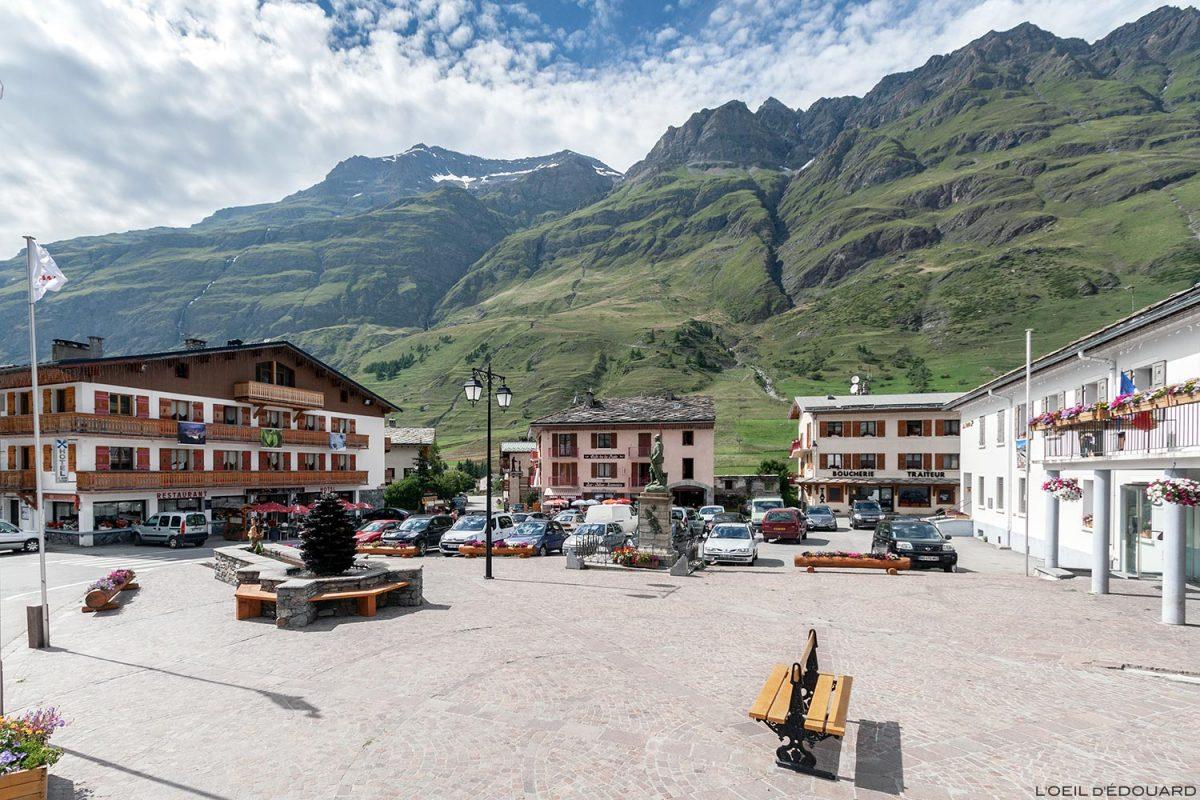 Place de la Mairie de Bessans - Alpes Haute Maurienne Savoie