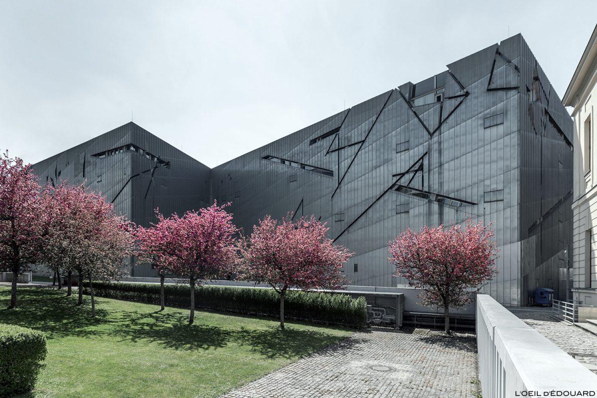 Fachada de zinco - Museu Judaico de Berlim Alemanha Rua - Museu Judaico, Alemanha Alemanha - Arquitetura Daniel Libeskind