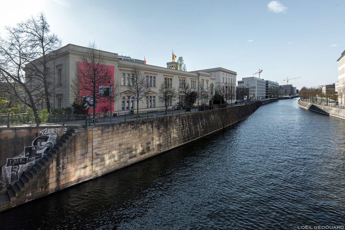 Museu de Arte Contemporânea de Berlim Hamburger Bahnhof nas margens do Spree - Alemanha Deutschland Deutschland