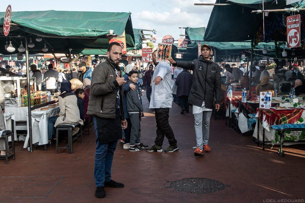 O restaurante está localizado na Place Jemaâ el-Fna em Marrakesh, Morocco / Marrakesh, Morocco