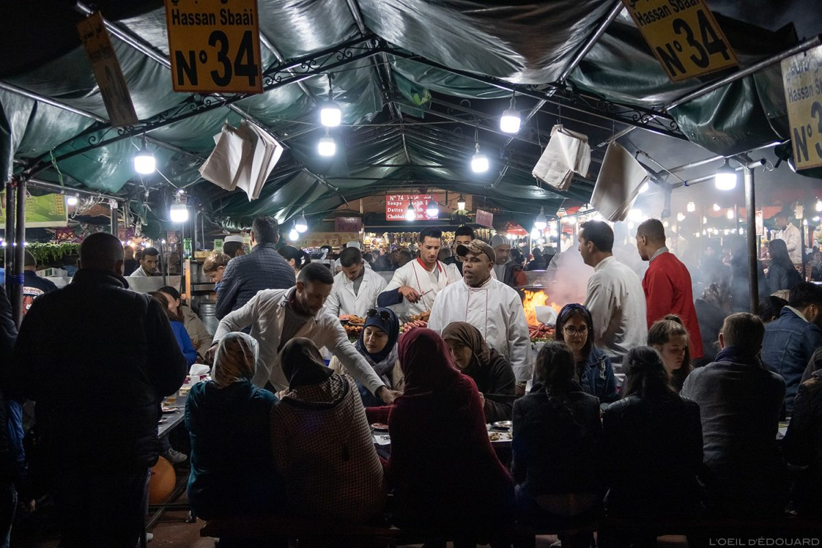 Barraca de comida na praça Jemaâ el-Fna em Marrakech, Marrocos / Marrakesh Maroc