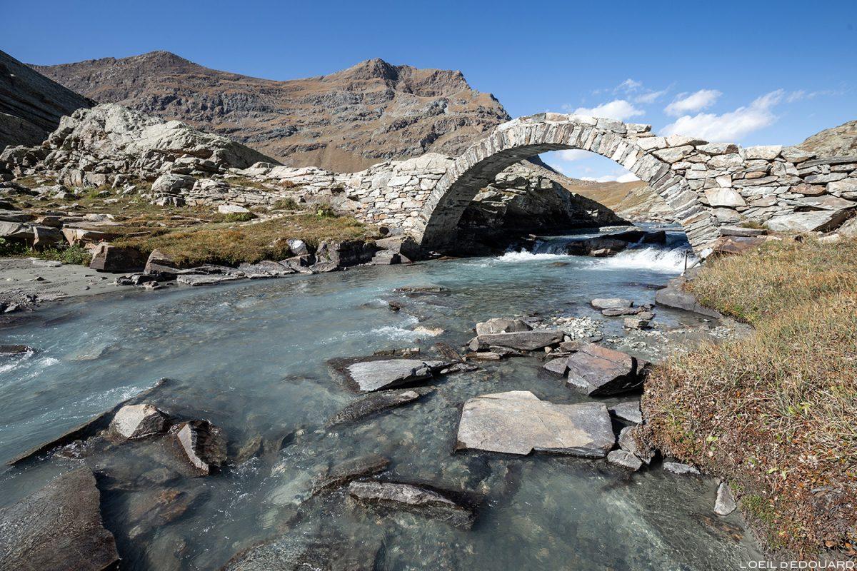 A ponte romana do Cirque des Évettes - Alpes Grées, Haute-Maurienne, Savoie © L'Oeil d'Édouard - Todos os direitos reservados