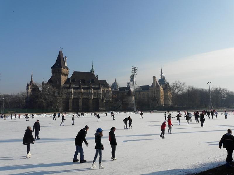 Skatista de Budapeste no inverno