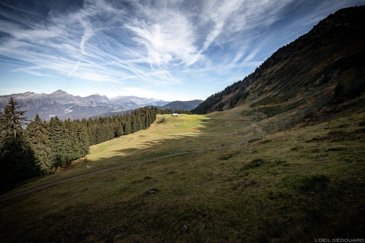 Alpage des Chalet du Haut du Pré acima de Albertville abaixo do maciço Roche Pourrie - Beaufortain, Savoy © L'Oeil d'Édouard - Todos os direitos reservados