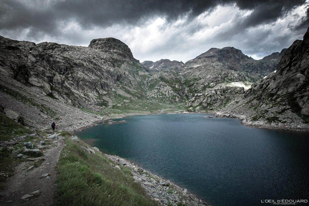 Excursão ao Refuge du Lac de la Fous saindo de Nice - Maciço du Mercantour Alpes-Maritimes Provença-Alpes-Côte d'Azur / Paisagem Caminhada na montanha Paisagem ao ar livre Lago na montanha Caminhada