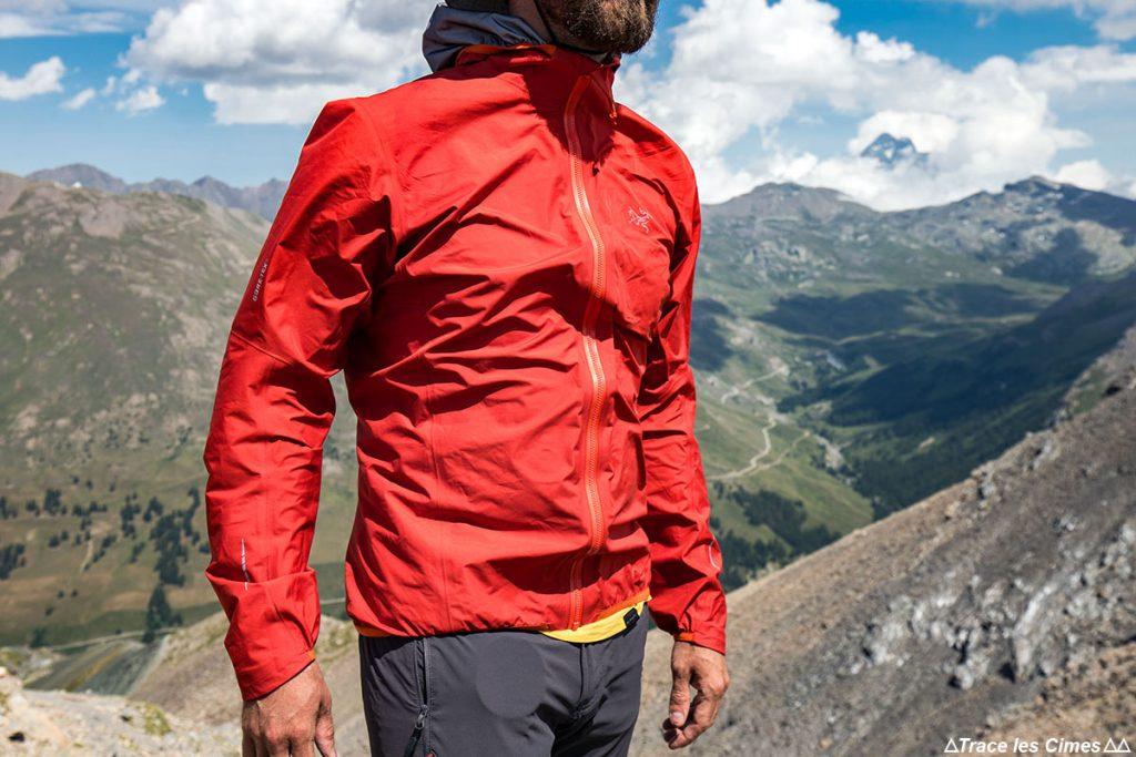 Teste de isolamento à prova de vento de windstopper da jaqueta NORVAN ARC'TERYX Gore-Tex