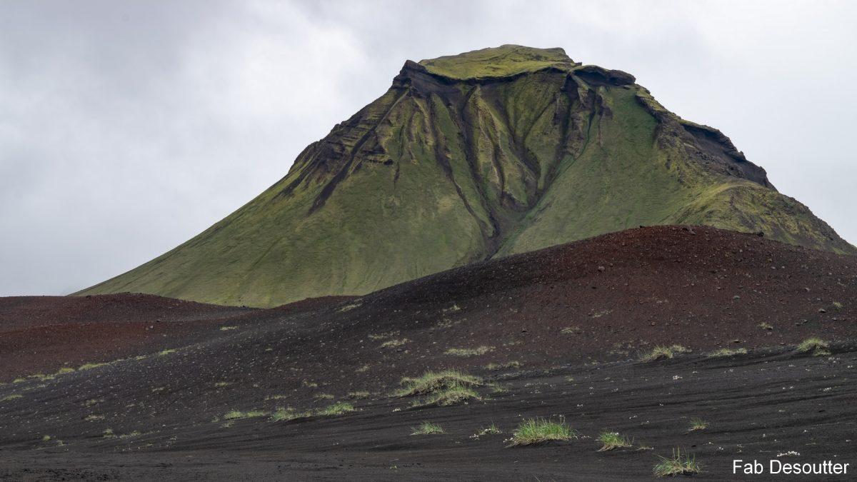 Hattfell mountain mountain landscape Laugavegur Trek Landmannalaugar Thorsmörk Islândia montanha trekking Islensk paisagem ao ar livre