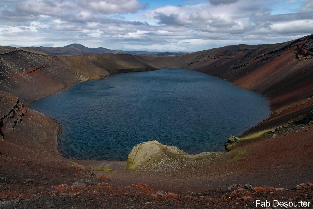 Lago Ljottitpollur Paisagem Trek Laugavegur Landmannalaugar Ilha Mountain Trekking Islândia Paisagem Montanha Lago Islensk Outdoor Selvagem