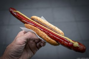 Cachorro-quente Bratwurst Lammkorv, Estocolmo Suécia Sverige Sueco Comida de rua sueca
