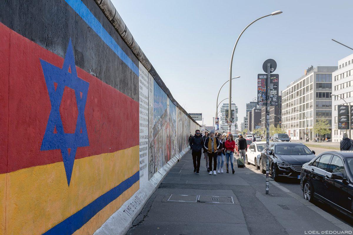 "Alemanha East Side Gallery Pinturas do Muro de Berlim ""nação"" Günther SCHÄFER / pinturas Alemanha Muro de Berlim / Muro de Berlim Alemanha"