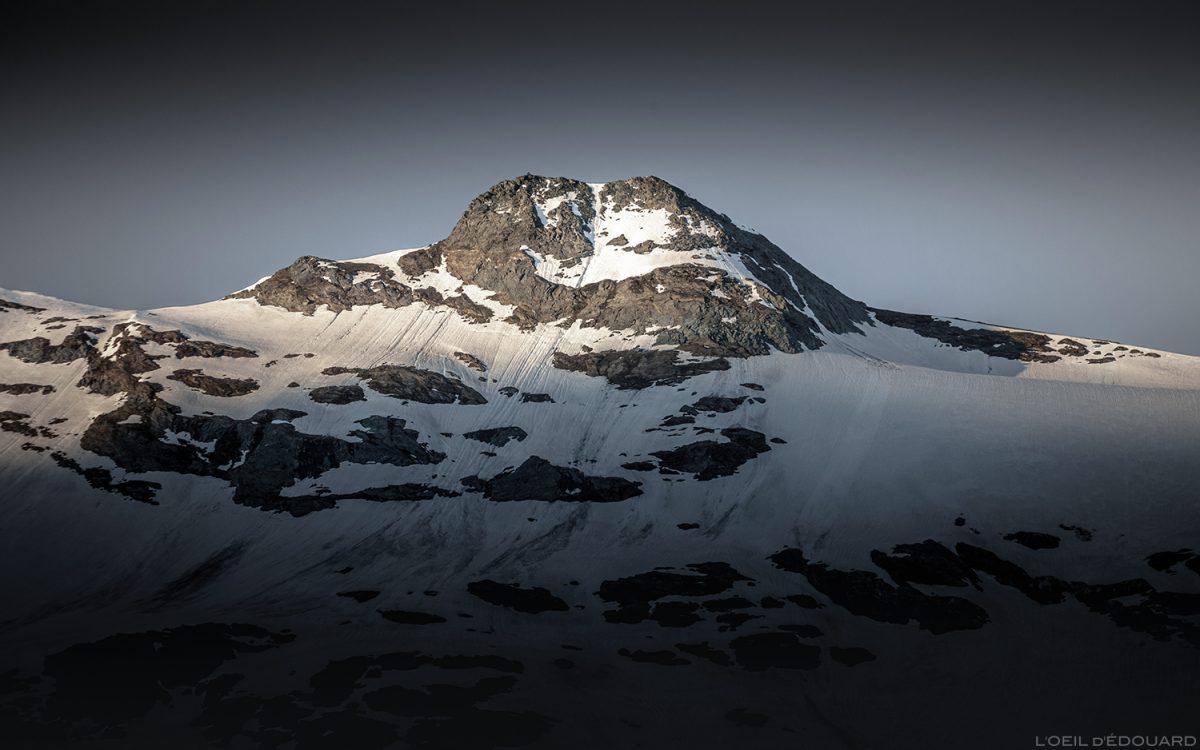 Nascer do sol no topo da Pointe de Méan Martin, Maciço de la Vanoise, paisagem montanhosa dos Alpes Paisagem montanhosa Nascer do sol © L'Oeil d'Édouard - Todos os direitos reservados