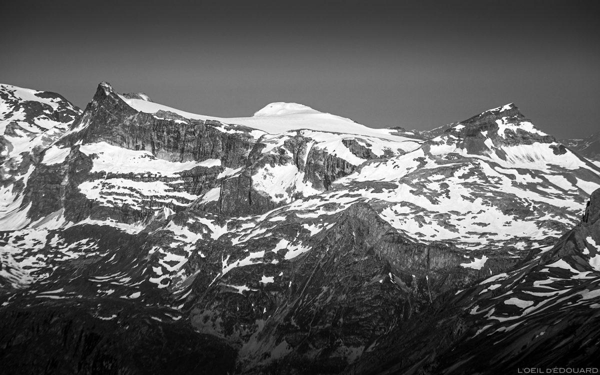 Pointe de la Réchasse e Mont Pelve desde o cume da Pointe de Méan Martin montanhismo, maciço de Vanoise - paisagem alpina montanhismo de montanha