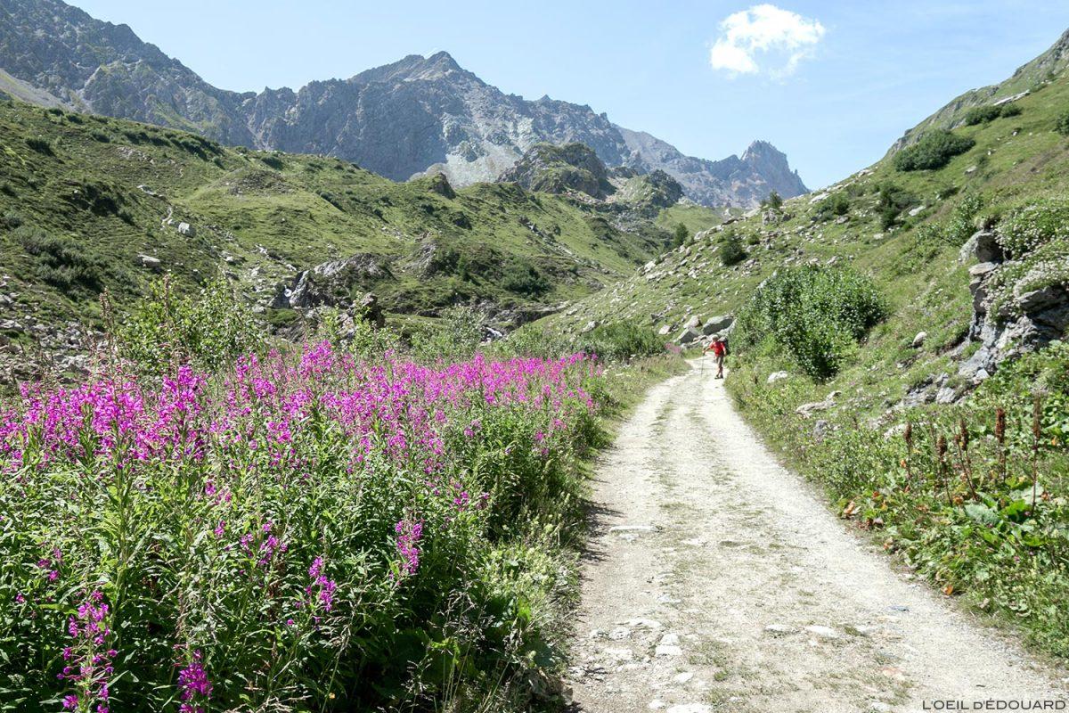 Trilha de caminhada Cormet de Roselend, Alpes Savoy, Le Beaufortain