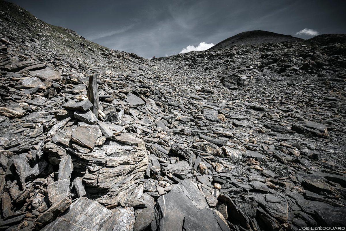 Pierrier sob a ponta do terraço do Passeur de Pralognan, Le Beaufortain Savoie Mountain paisagem dos Alpes