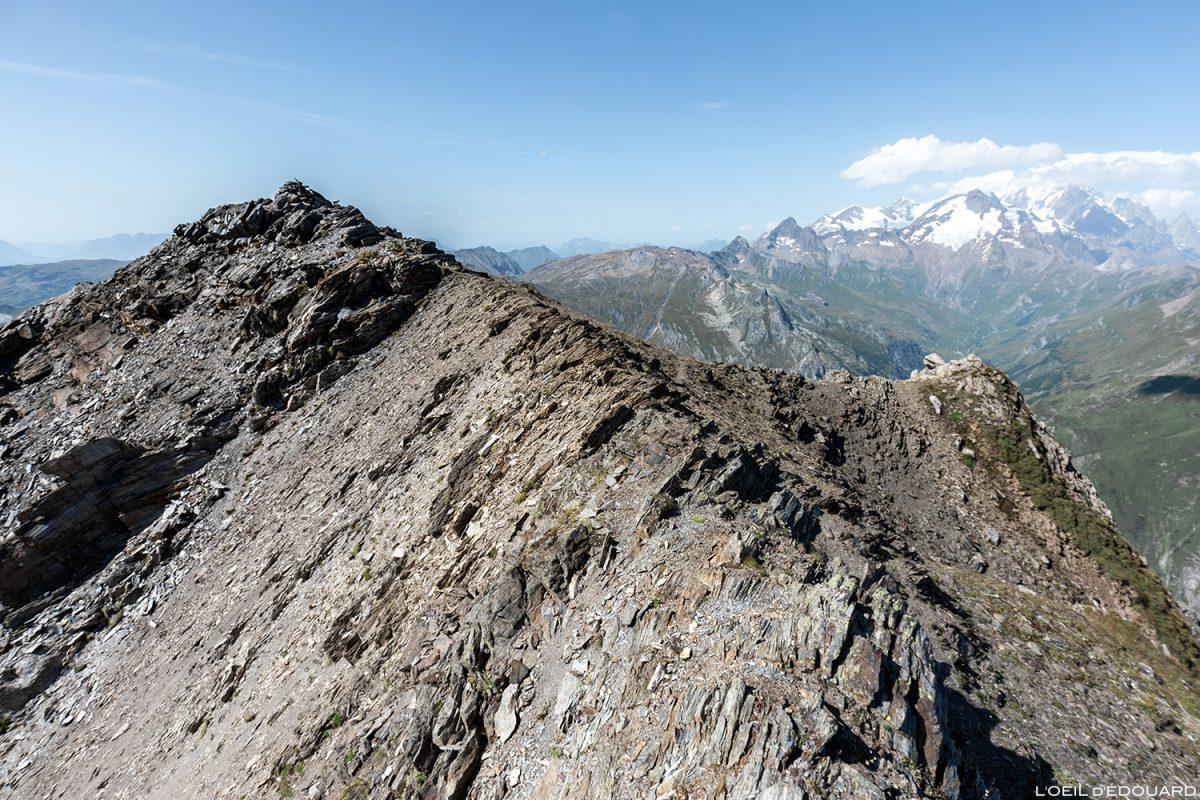 O cume da Pointe de la Terrasse com o Mont Blanc, Le Beaufortain, paisagem montanhosa dos Alpes Savoy