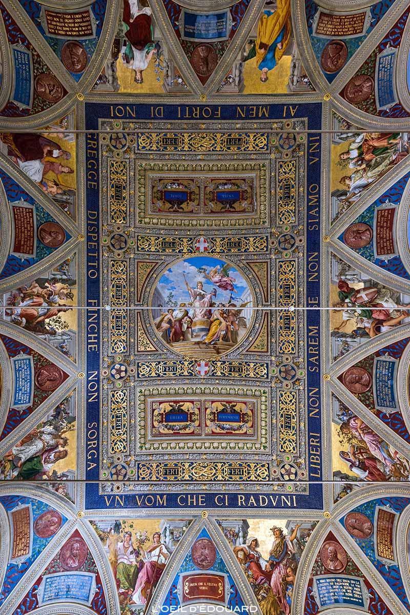 Teto do Salão do Governo do Museu Cívico de Siena - Salão do Risorgimento do Palazzo Público de Siena