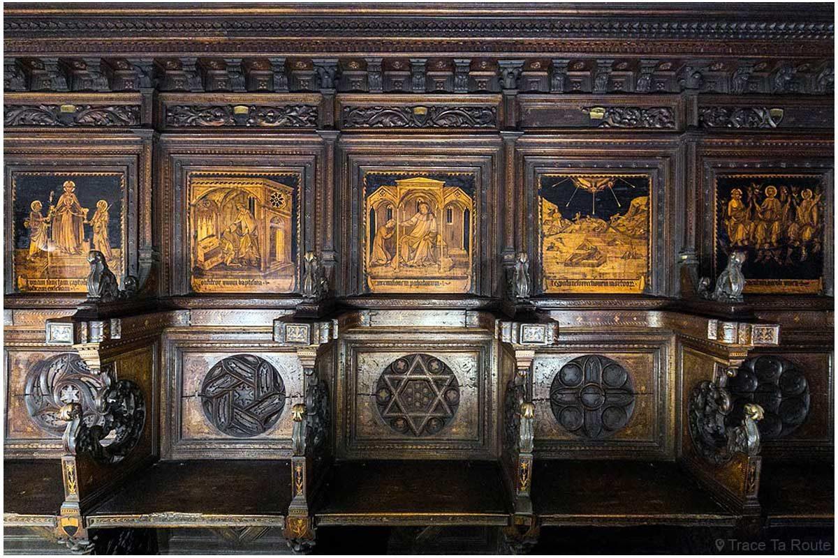 Coro de madeira entalhada da Capela do Museu Cívico de Siena - Capela do Palazzo Pubblico de Siena