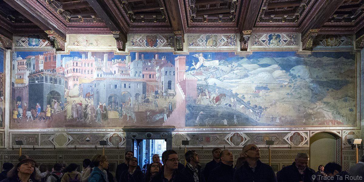 """fresco """"Alegoria ed efeitos da boa e má governança"""" (1338-1339) Ambrogio Lorenzetti - Sala dei Nove do Museu Cívico de Siena - Alegoria e efeitos da boa e má governação (Sala dei Nove / Salle della Pace do Palazzo Pubblico de Siena)"""