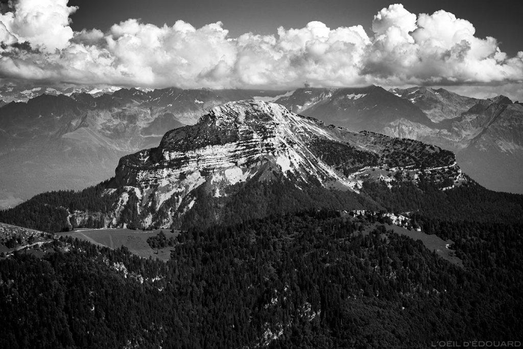 A face leste de Chamechaude vista do cume do Grande Sure - Maciço de la Chartreuse © L'Oeil d'Édouard