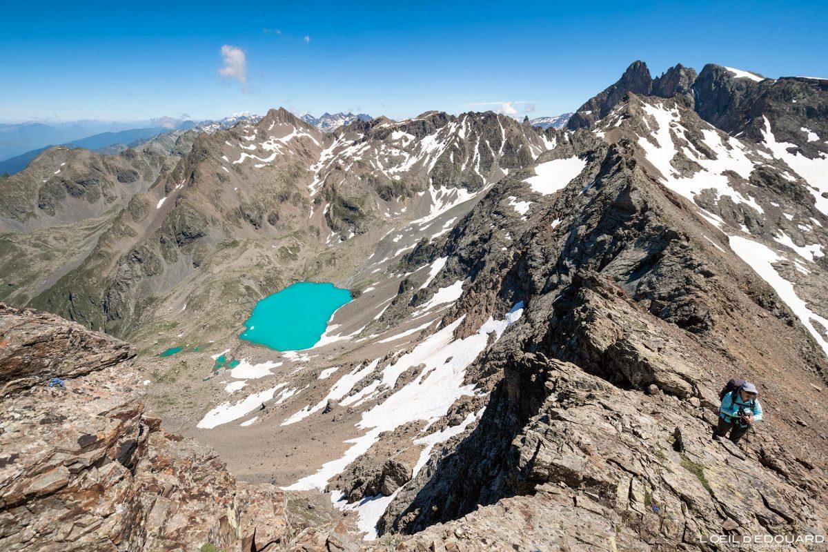 Caminhada Grande Lance de Domène Belledonne Lac Blanc Isere Alpes França Paisagem montanhosa Caminhada ao ar livre Caminhada Alpes franceses Paisagem montanhosa do lago