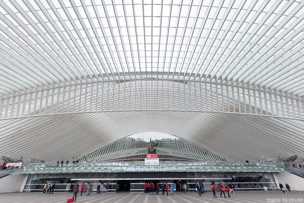 Arquitetura Estação Guillemins Liège - Santiago Calatrava - Cobertura de vidro abobadado na entrada
