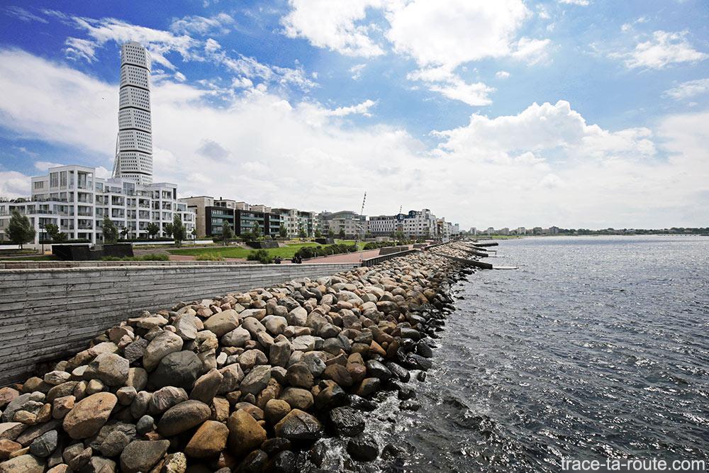Turning Torso e Daniaparken Sea Sea em Västra Hamnen em Malmö, Suécia