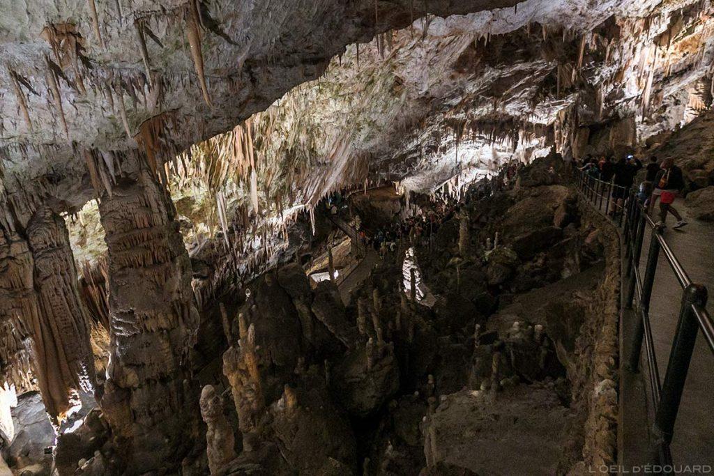 Estalactites na Caverna de Postojna, Eslovênia - Caverna de Postojna Caverna de Postojna na Eslovênia