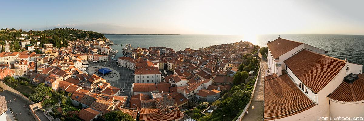 Vista panorâmica da cidade de Piran e do Mar Adriático do Campanile Mestni zvonik, Eslovênia - Eslovênia / Eslovênia