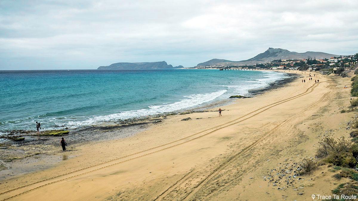 Praia da ilha de Porto Santo na Madeira Praia Dourada / Madeira