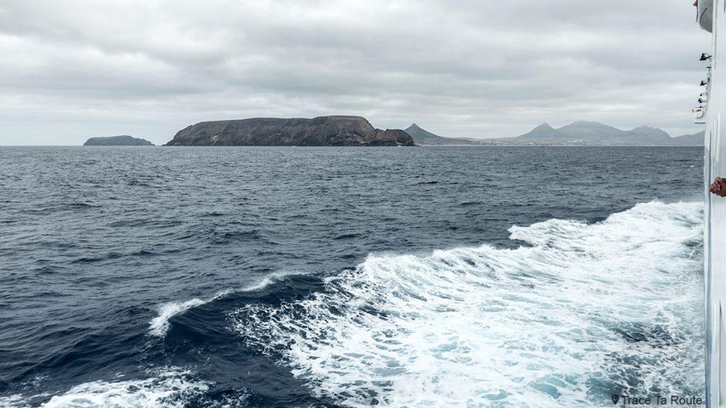 Ilha de Porto Santo a partir da linha de ferry de Porto Santo, Madeira / Madeira