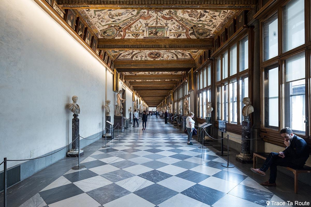 Corredor Corredor da Galeria Uffizi em Florença
