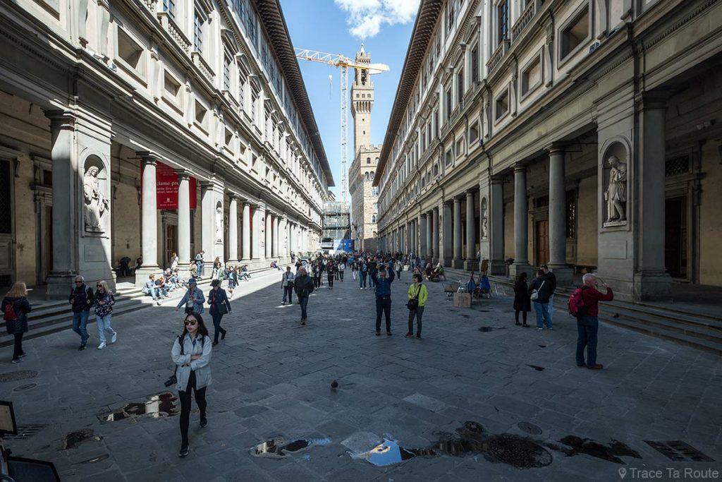 Piazzale degli Uffizi - Museu degli Bureaux Galeria de Florença Itália Viagem - Galeria Uffizi de Florença Itália Itália Viagem