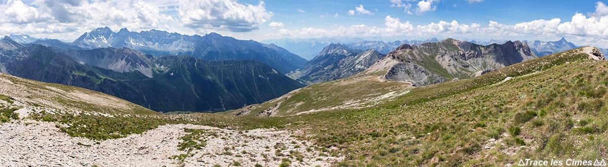 La Crête de la Blavette com a Crête des Veyres ao fundo, Queyras (Hautes-Alpes)