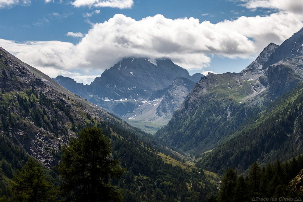 Mont Viso nas nuvens, Queyras (Hautes-Alpes)
