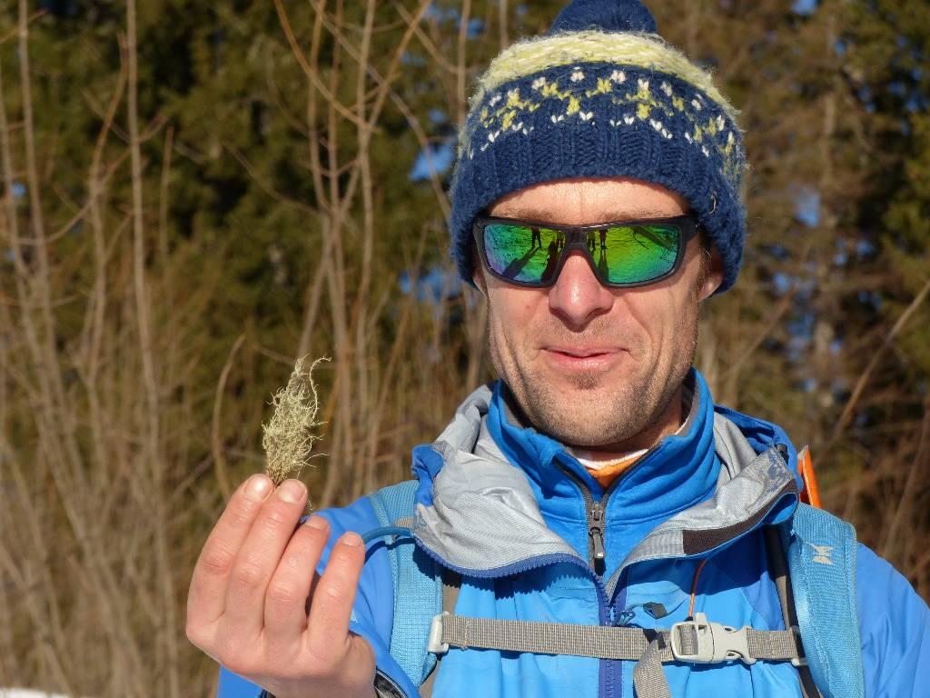 Percurso de sobrevivência na montanha nos Alpes
