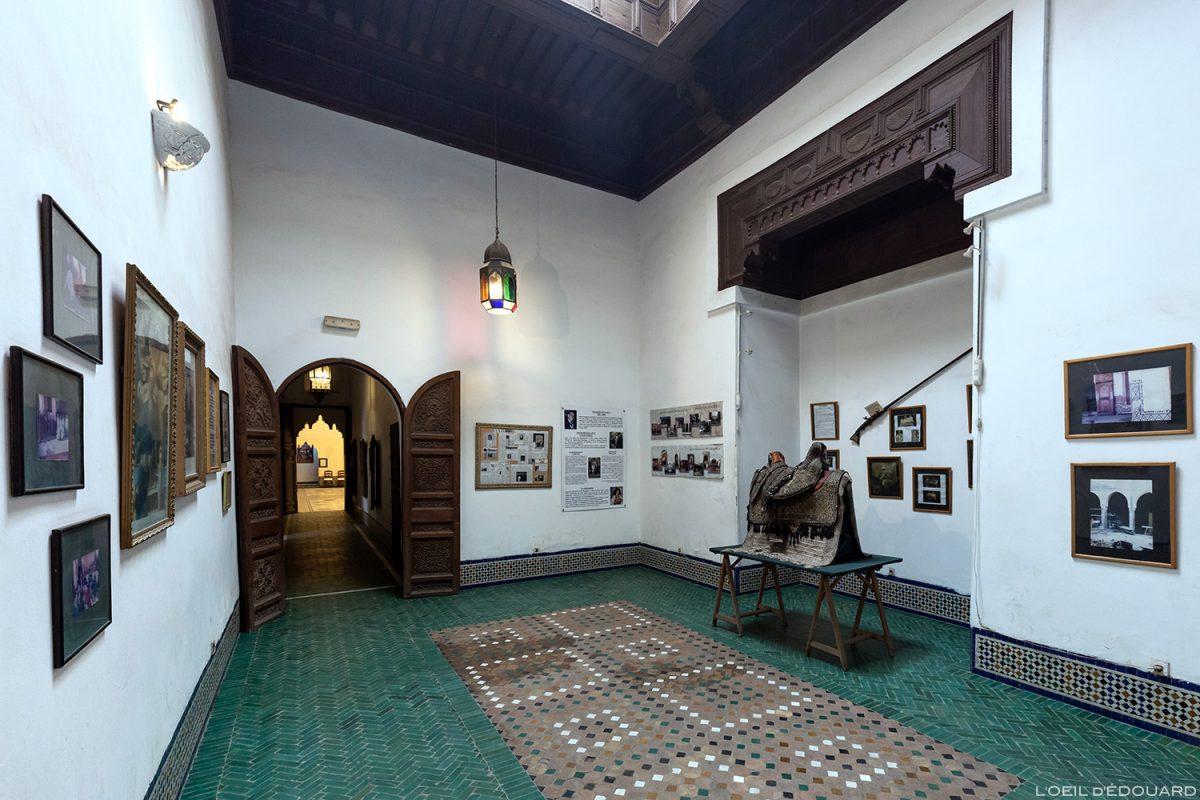 Sala de exposições na entrada do Museu de Marraquexe, Marrocos / Visita ao Museu de Marraquexe, Marrocos